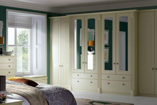 apex-cottage-arch-vanilla-bedroomF44EF263-0DEC-7DFB-716F-32FD2092C5DE.jpg